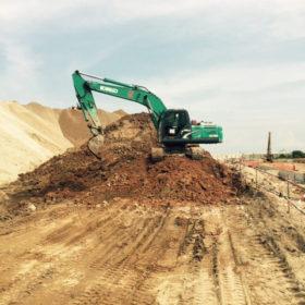 Excavator Kobelco SK200