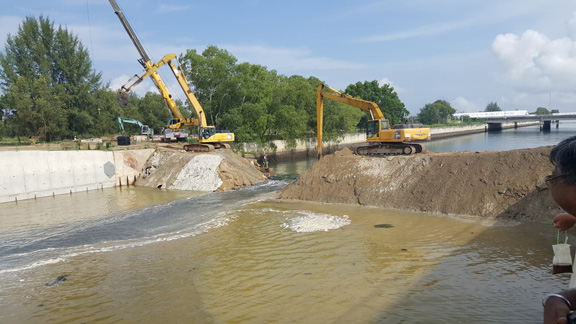 demolish-existing-embankment