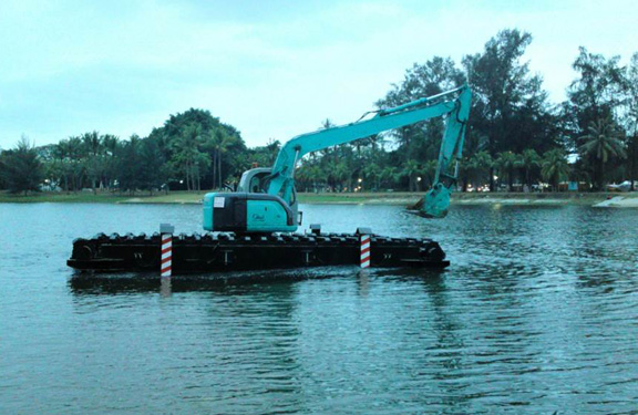 desilting-of-kallang-river-amphibious-excavator