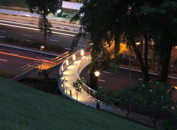 pedestrain-overhead-bridgenightfort-canning-park